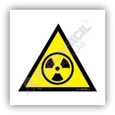 placa de sinalizacao cuidado risco de radiacao
